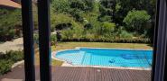 tims-room-pool-view