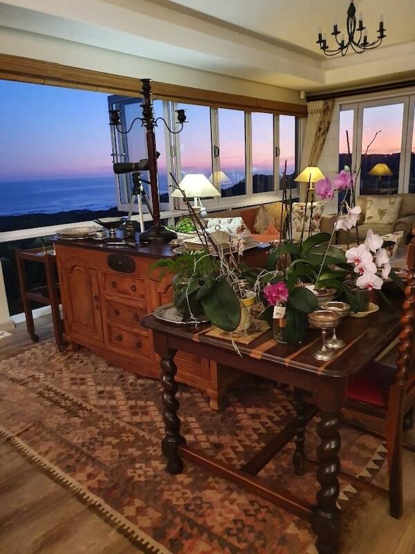 Hillscapes lounge
